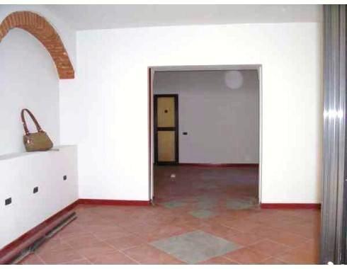 Locale commerciale, Centrale, Pistoia, ristrutturato