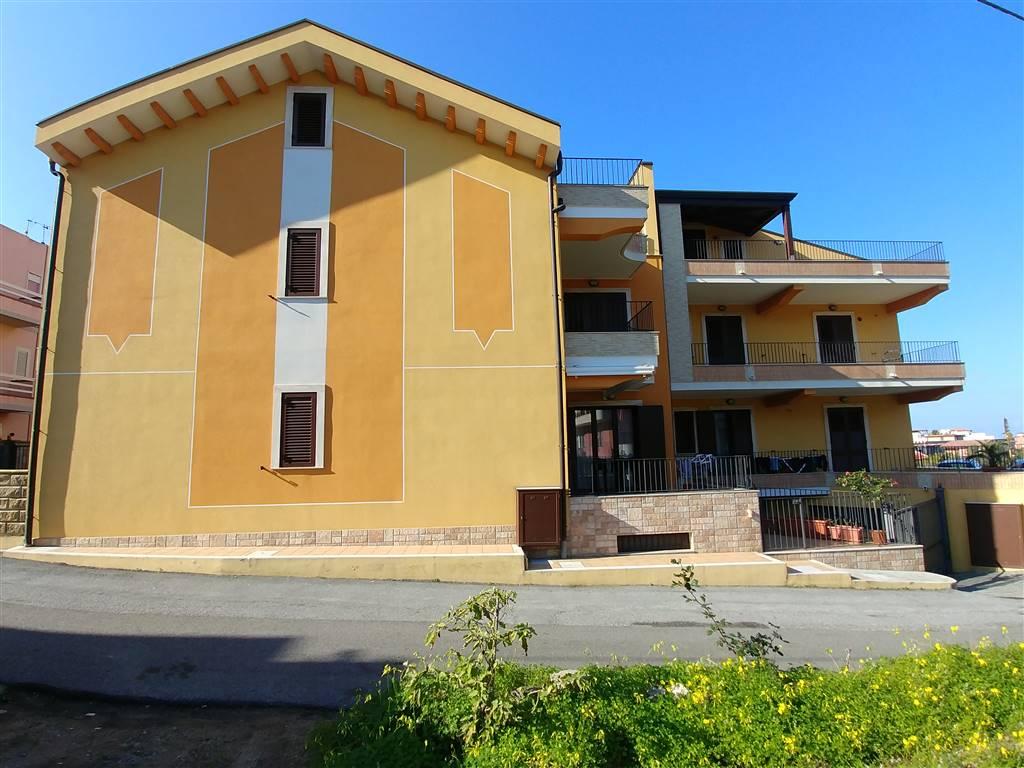 Appartamento in vendita a Rometta, 3 locali, prezzo € 80.000   CambioCasa.it