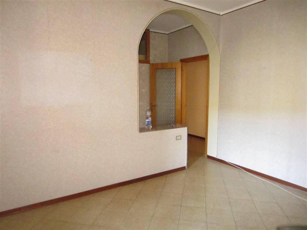 Appartamento in vendita a Aci Catena, 3 locali, prezzo € 95.000 | CambioCasa.it