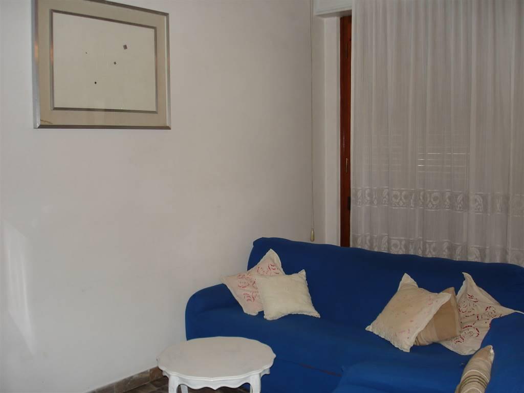PERETOLA, FIRENZE, Appartamento in affitto di 110 Mq, Buone condizioni, Riscaldamento Centralizzato, Classe energetica: G, Epi: 175 kwh/m2 anno,