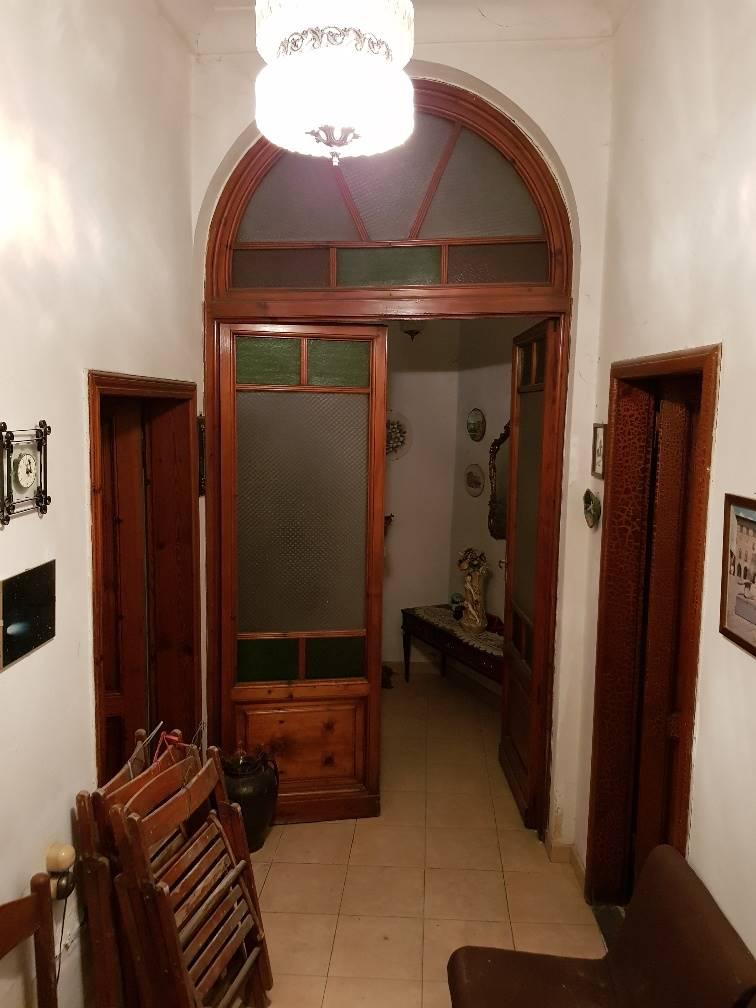 CENTRALE, PISTOIA, Terratetto in vendita di 164 Mq, Da ristrutturare, Classe energetica: G, composto da: 6 Vani, Cucina Abitabile, 3 Camere, 1 Bagno,