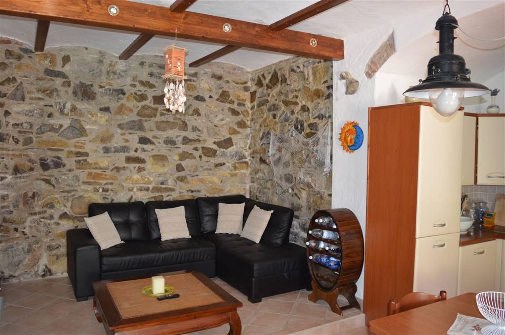 Casa semi indipendente, Cavo, Rio Marina, in ottime condizioni