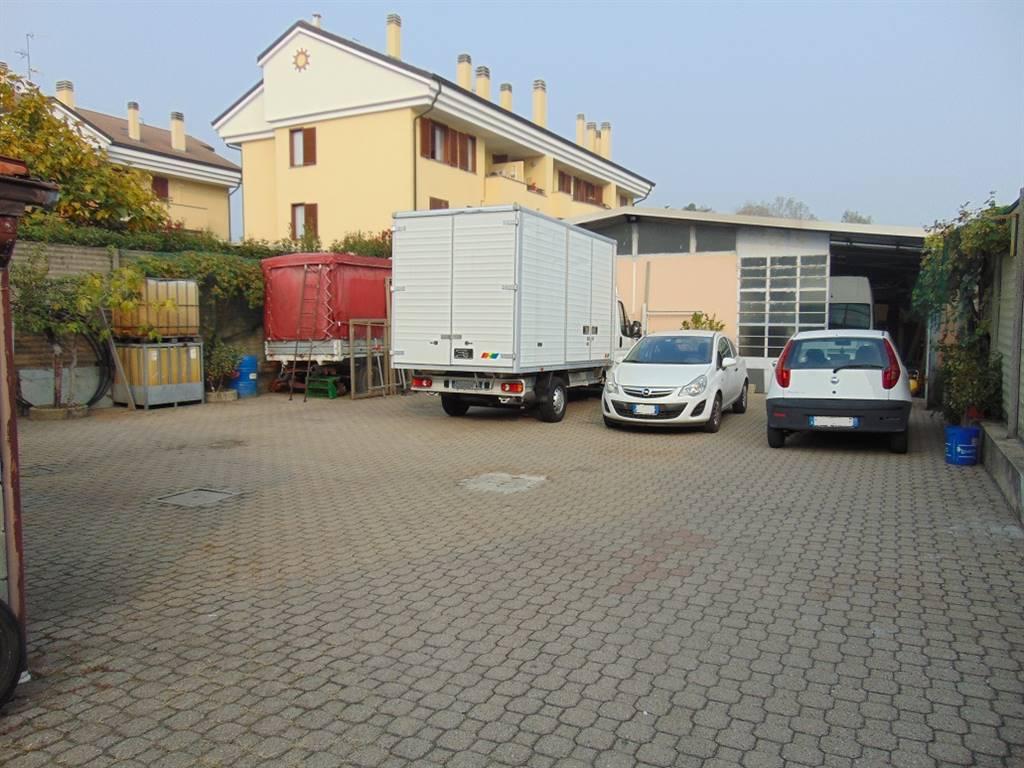 Immobile Commerciale in vendita a Senago, 9999 locali, prezzo € 298.000   CambioCasa.it