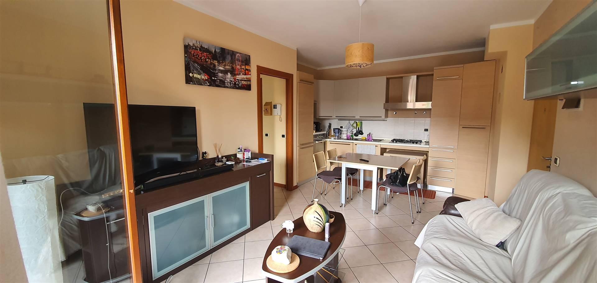 Appartamento in affitto a Senago, 3 locali, zona Località: SENAGHINO, prezzo € 750 | PortaleAgenzieImmobiliari.it