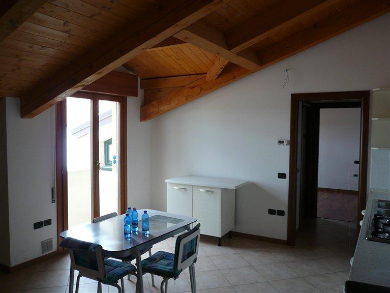 Appartamento in vendita a Rovolon, 3 locali, zona Zona: Bastia, prezzo € 100.000 | CambioCasa.it