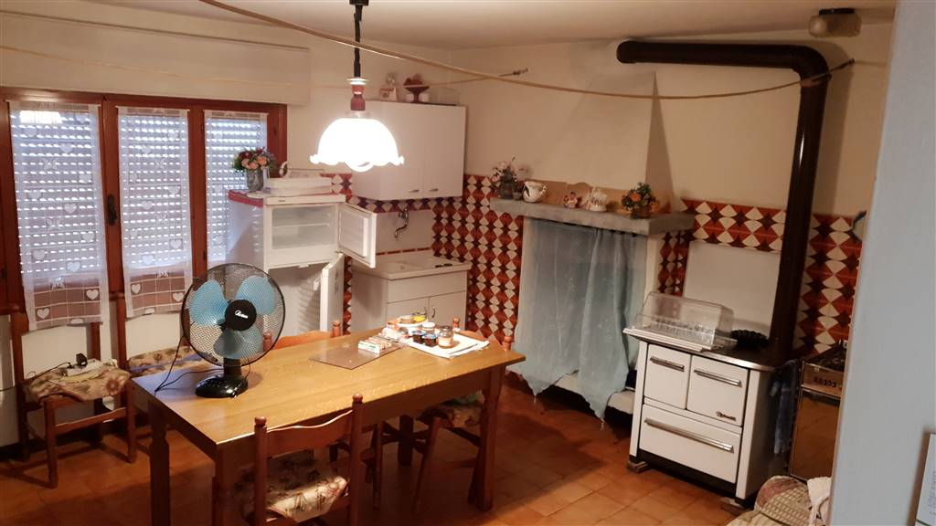Cucina-Taverna Piano Terra