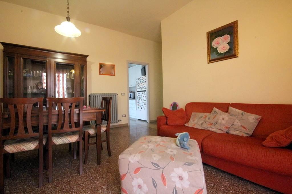 Appartamento in vendita a Lamporecchio, 5 locali, prezzo € 120.000 | PortaleAgenzieImmobiliari.it
