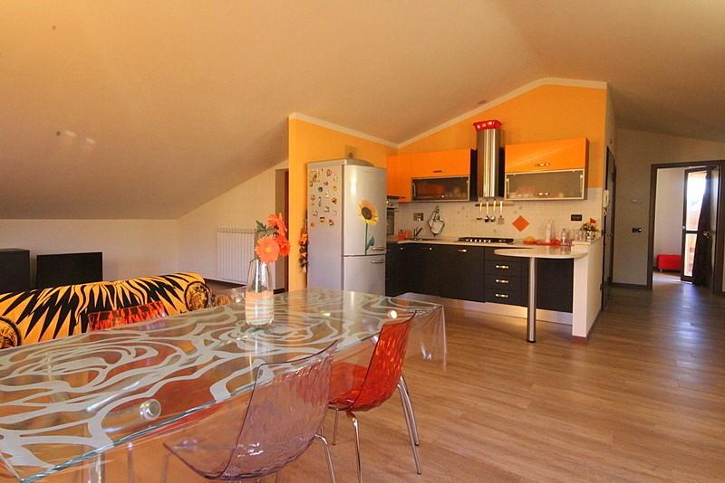 Appartamento in vendita a Larciano, 4 locali, prezzo € 138.000   CambioCasa.it