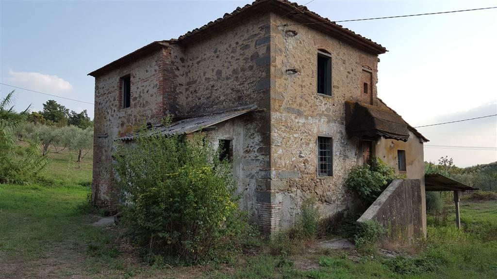 Rustico / Casale in vendita a Larciano, 7 locali, prezzo € 125.000   CambioCasa.it