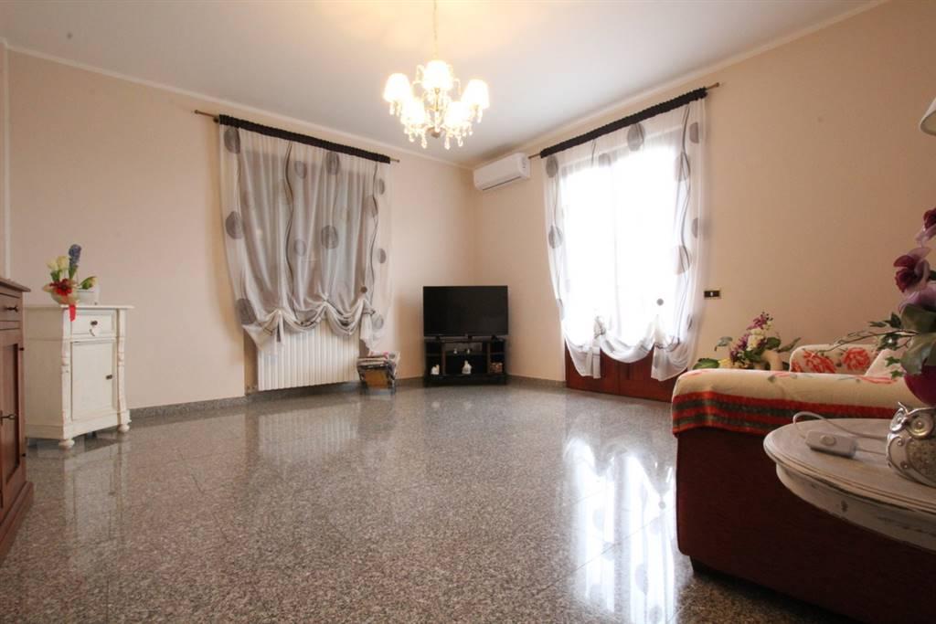 Villa in vendita a Larciano, 8 locali, prezzo € 360.000   CambioCasa.it