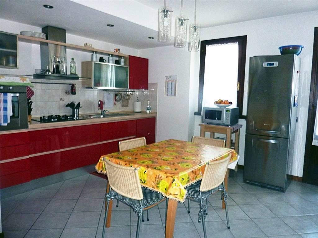 Appartamento in vendita a Lamporecchio, 4 locali, prezzo € 130.000 | PortaleAgenzieImmobiliari.it