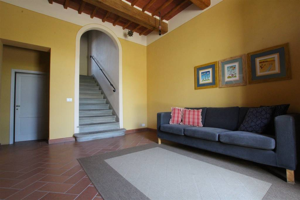 Soluzione Indipendente in vendita a Larciano, 7 locali, prezzo € 210.000   CambioCasa.it