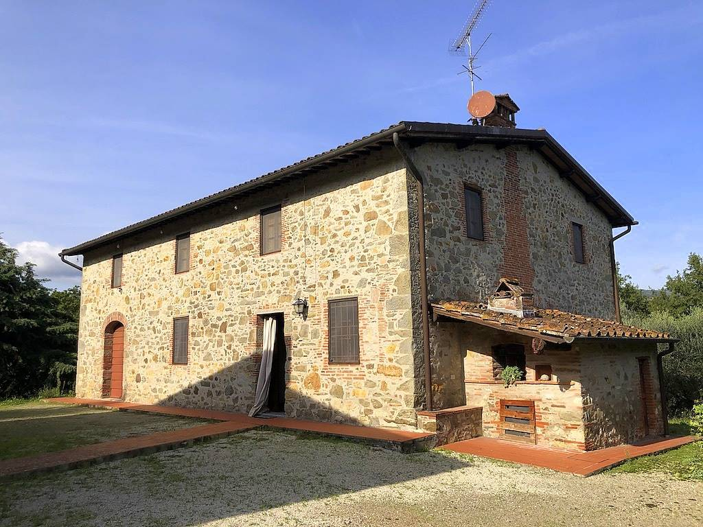 VECOLI, LUCCA, Farmhouse for sale of 300 Sq. mt., Good condition, Heating Individual heating system, Energetic class: F, Epi: 338,41 kwh/m2 year,