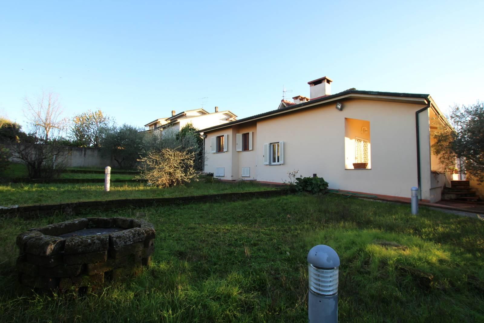 CERRETO GUIDI, Villa zu verkaufen von 250 Qm, Beste ausstattung, Heizung Unabhaengig, Energie-klasse: G, Epi: 276 kwh/m2 jahr, am boden Angehoben auf