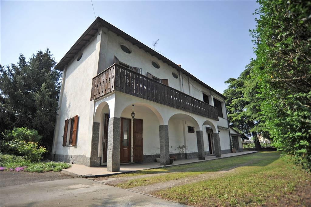 Soluzione Indipendente in vendita a Pozzolo Formigaro, 8 locali, prezzo € 230.000 | CambioCasa.it