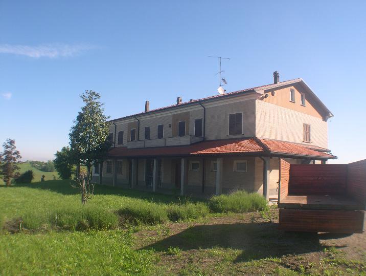 Villa Bifamiliare in vendita a Sarezzano, 15 locali, Trattative riservate | CambioCasa.it