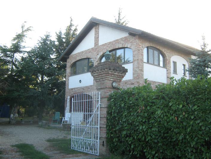 Rustico / Casale in vendita a Pozzolo Formigaro, 10 locali, Trattative riservate   CambioCasa.it