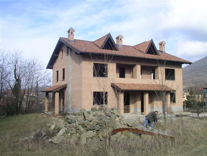 Villa Bifamiliare in vendita a Arquata Scrivia, 8 locali, zona Zona: Rigoroso, prezzo € 180.000 | CambioCasa.it