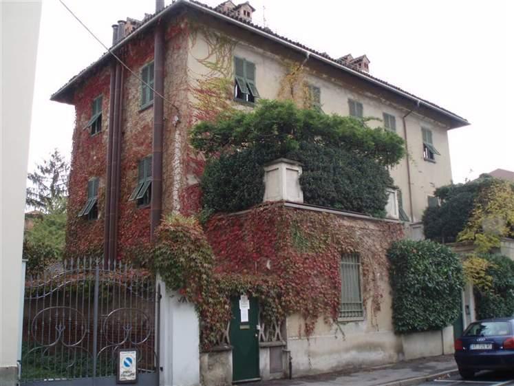 Villa in vendita a Novi Ligure, 22 locali, zona Località: VIA VERDI, CASERME, Trattative riservate   CambioCasa.it