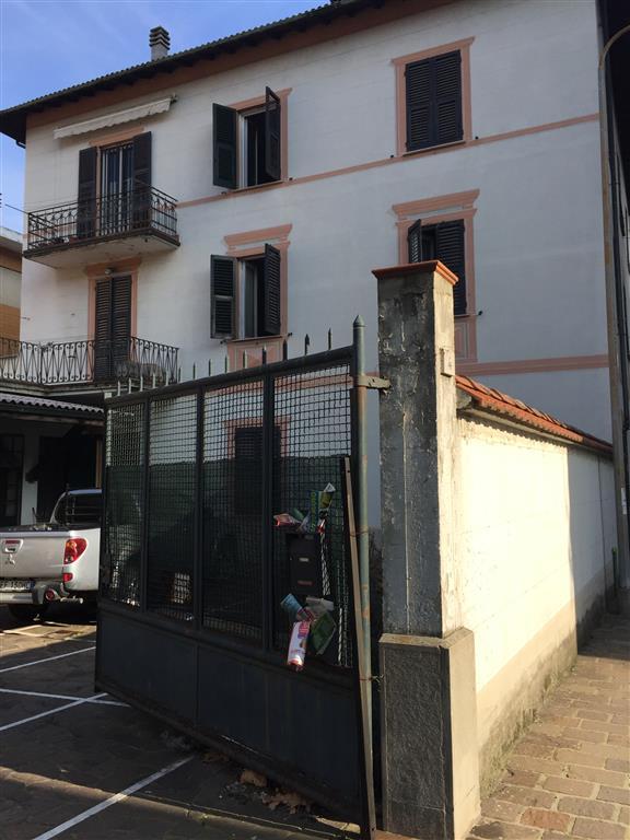 Soluzione Indipendente in vendita a Serravalle Scrivia, 20 locali, prezzo € 290.000 | PortaleAgenzieImmobiliari.it