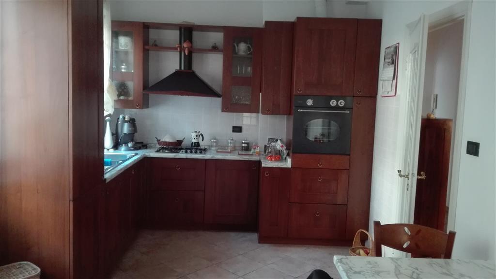 Appartamento in vendita a Arquata Scrivia, 4 locali, prezzo € 85.000 | CambioCasa.it