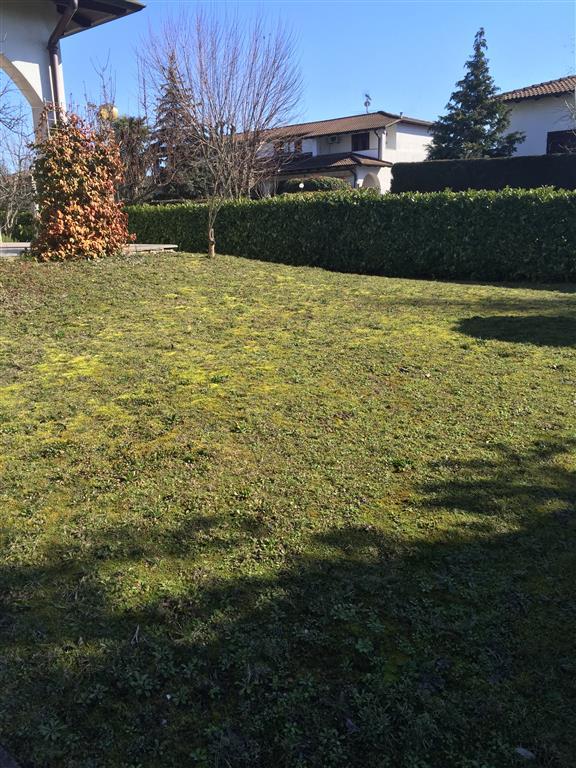 Villa in vendita a Novi Ligure, 11 locali, Trattative riservate   CambioCasa.it