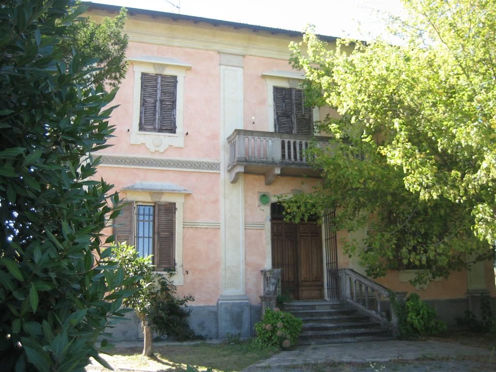 Villa in vendita a Pozzolo Formigaro, 20 locali, prezzo € 260.000 | CambioCasa.it