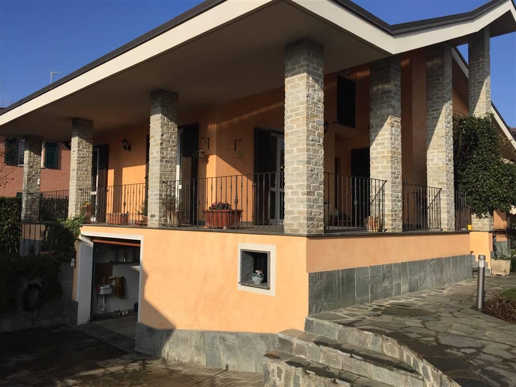 Villa in vendita a Novi Ligure, 10 locali, zona Località: LODOLINO, prezzo € 400.000   CambioCasa.it