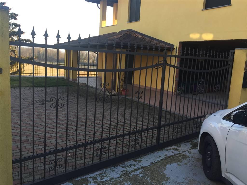 Soluzione Indipendente in vendita a Basaluzzo, 5 locali, prezzo € 245.000 | CambioCasa.it