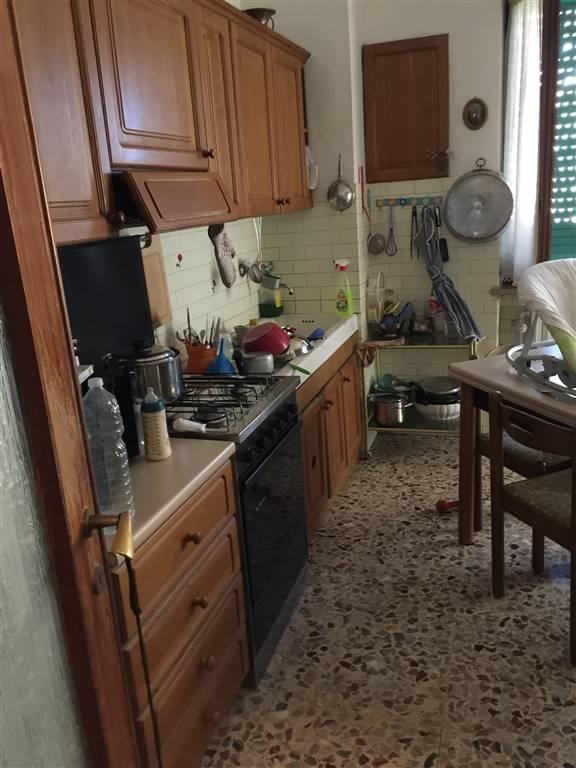 Appartamento in vendita a Novi Ligure, 4 locali, zona Località: VIALI, prezzo € 60.000   CambioCasa.it