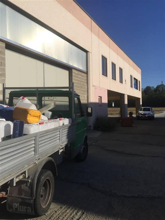 Immobile Commerciale in vendita a Novi Ligure, 4 locali, prezzo € 290.000 | PortaleAgenzieImmobiliari.it