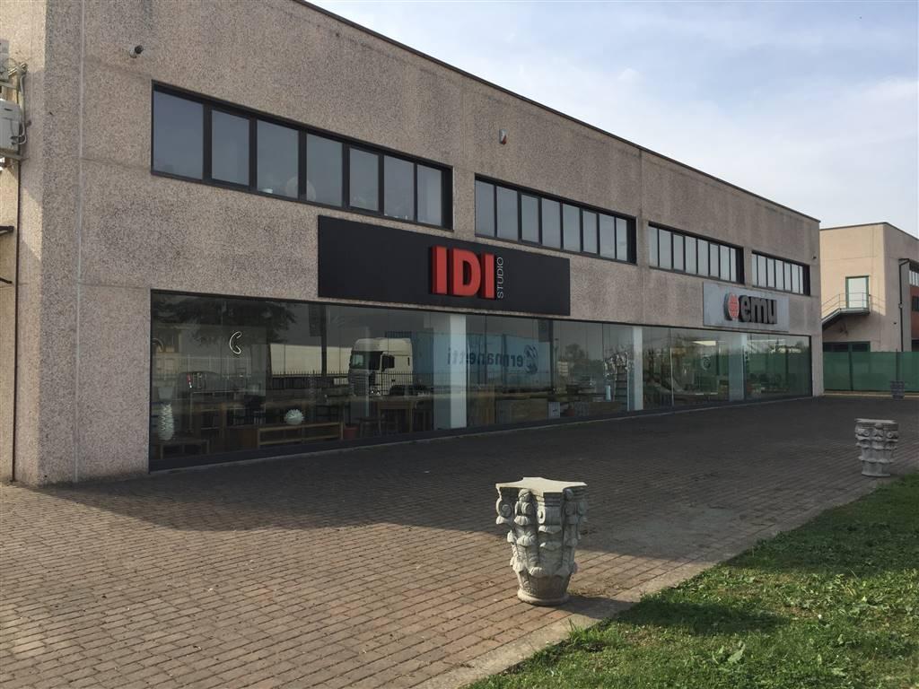 Immobile Commerciale in vendita a Novi Ligure, 2 locali, prezzo € 800.000 | PortaleAgenzieImmobiliari.it