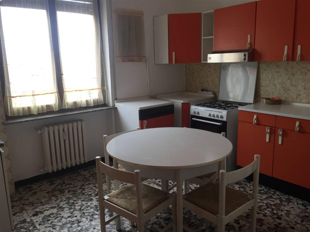 Appartamento in affitto a Novi Ligure, 4 locali, zona Località: VIALI, prezzo € 300 | PortaleAgenzieImmobiliari.it