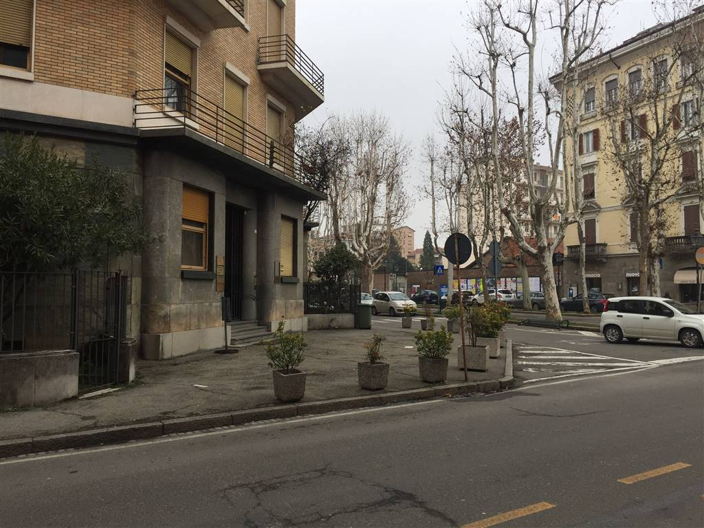 Appartamento in vendita a Novi Ligure, 8 locali, zona Località: VIALI, Trattative riservate | PortaleAgenzieImmobiliari.it