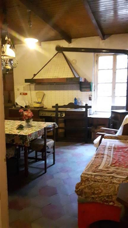 Appartamento in vendita a Arquata Scrivia, 6 locali, zona roso, prezzo € 65.000 | PortaleAgenzieImmobiliari.it