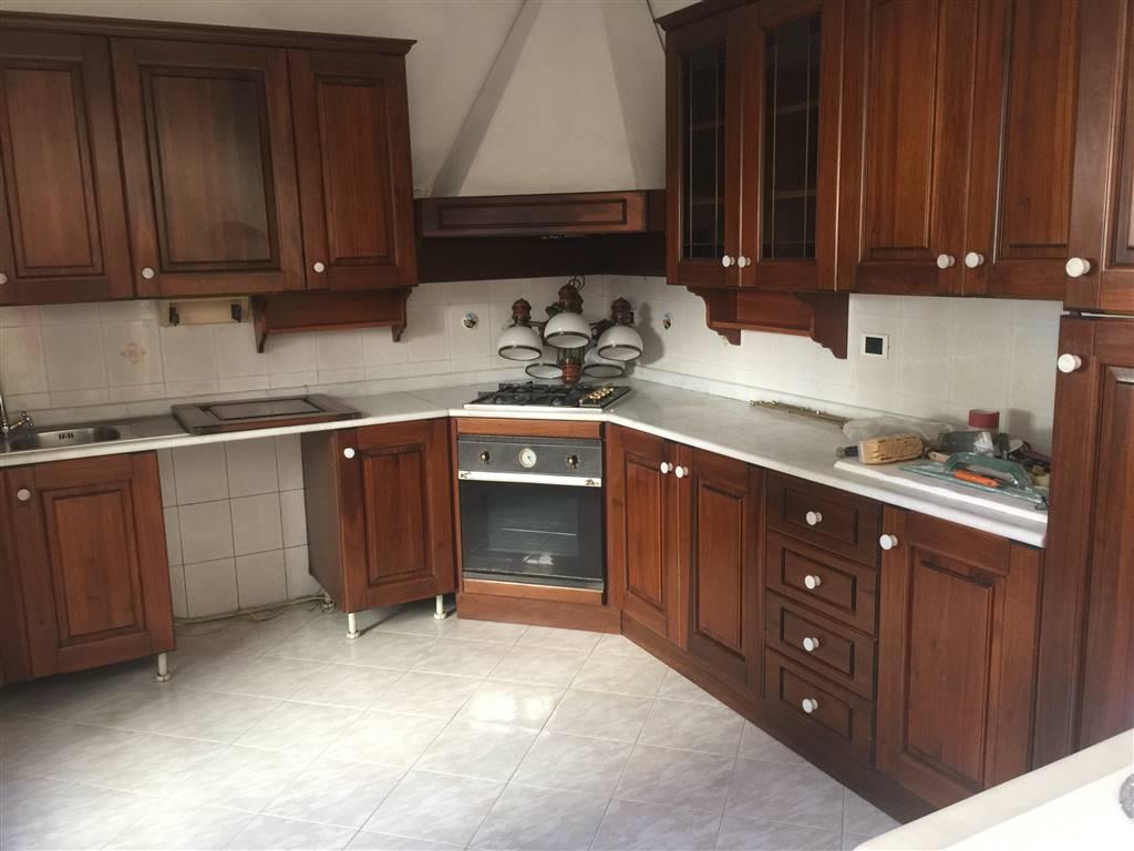Villa Bifamiliare in vendita a Pozzolo Formigaro, 10 locali, prezzo € 260.000 | CambioCasa.it