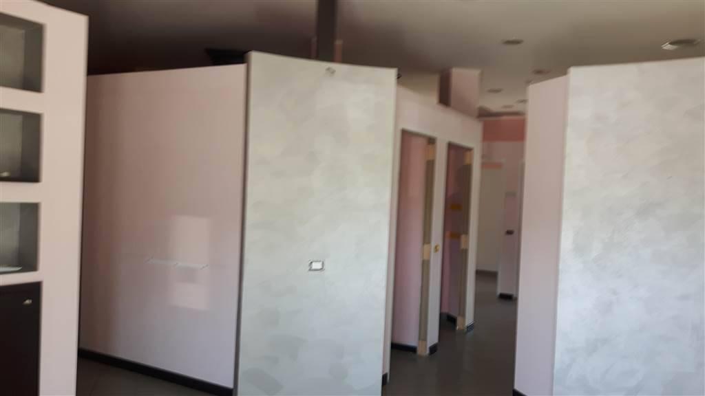 Immobile Commerciale in vendita a Serravalle Scrivia, 2 locali, zona Località: CA' DEL SOLE, prezzo € 240.000 | PortaleAgenzieImmobiliari.it