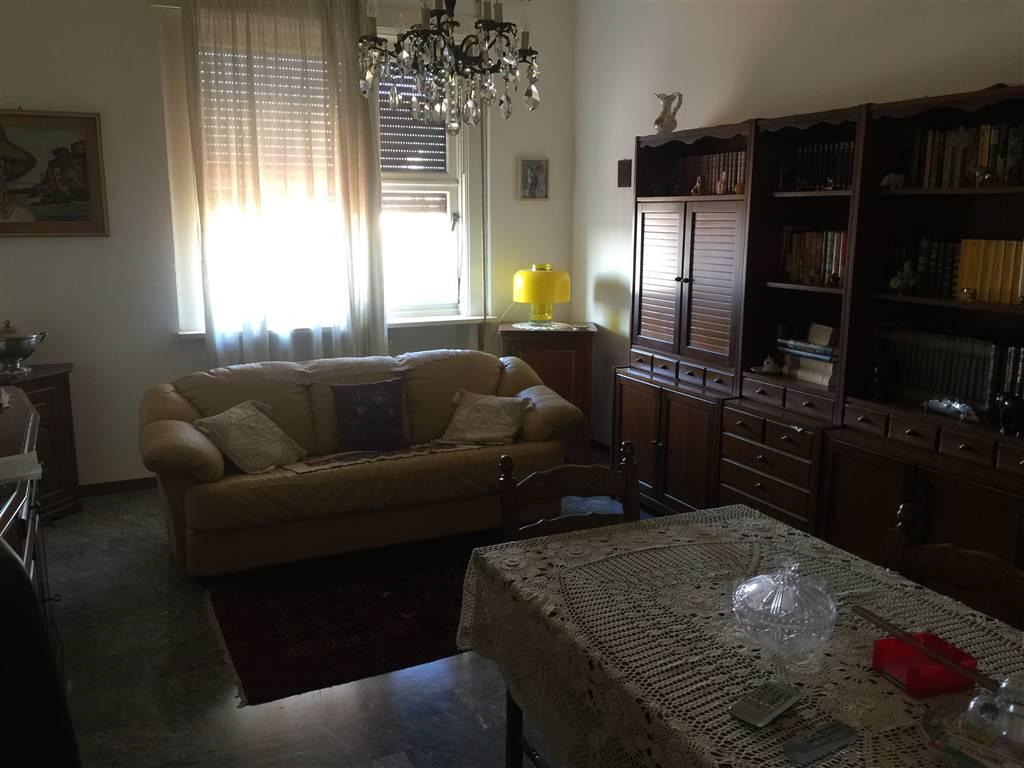 Appartamento in vendita a Novi Ligure, 5 locali, zona Località: STAZIONE CENTRO URBANO, prezzo € 110.000   CambioCasa.it