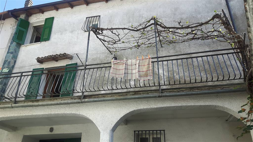 Soluzione Semindipendente in vendita a Cantalupo Ligure, 9 locali, prezzo € 95.000 | PortaleAgenzieImmobiliari.it