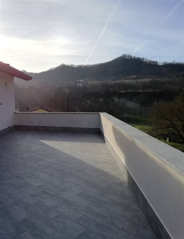 Attico / Mansarda in affitto a Gavi, 4 locali, prezzo € 600 | CambioCasa.it