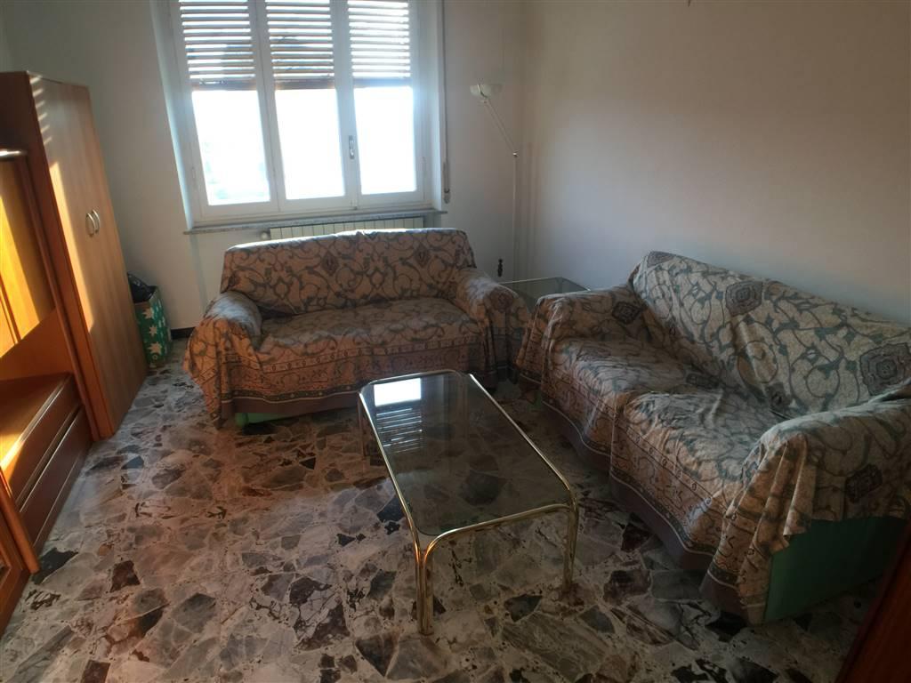 Appartamento in vendita a Novi Ligure, 4 locali, zona Località: GIARDINI, prezzo € 38.000   CambioCasa.it