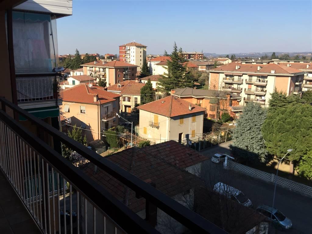 Appartamento in vendita a Novi Ligure, 7 locali, zona Località: PISCINA, prezzo € 85.000   CambioCasa.it