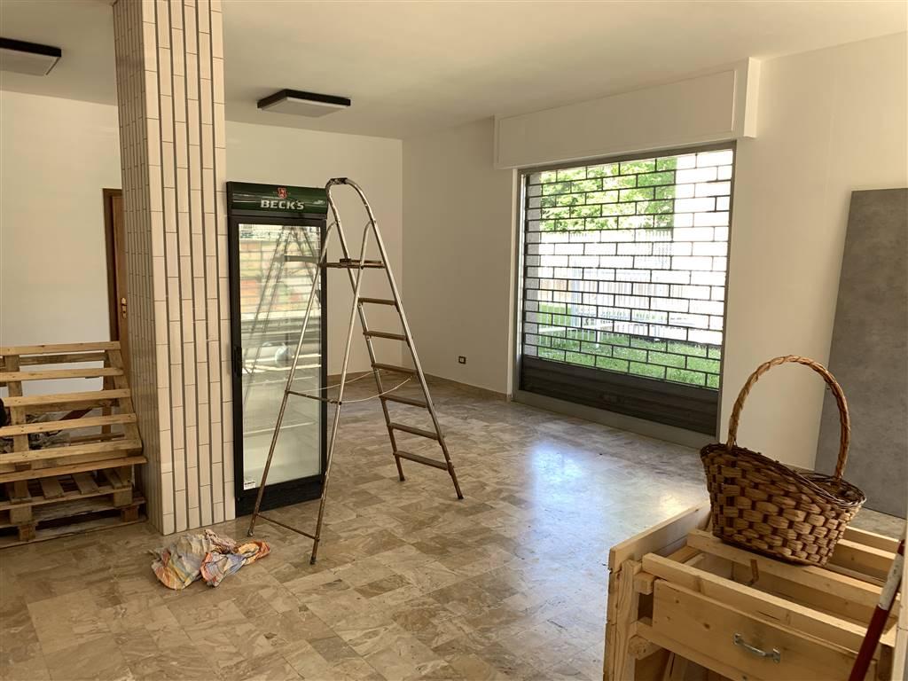 Negozio / Locale in affitto a Novi Ligure, 3 locali, zona Località: BETLEMME, prezzo € 480 | CambioCasa.it