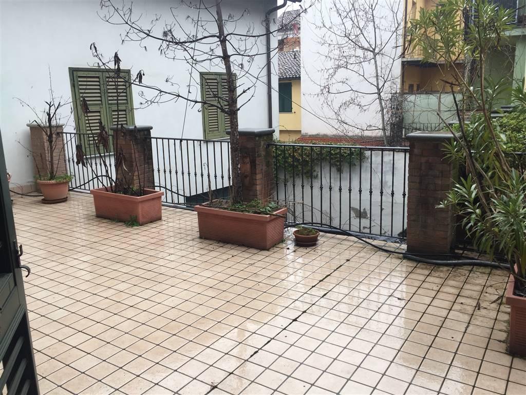 Soluzione Indipendente in affitto a Novi Ligure, 5 locali, zona Località: CENTRO STORICO, prezzo € 600 | CambioCasa.it