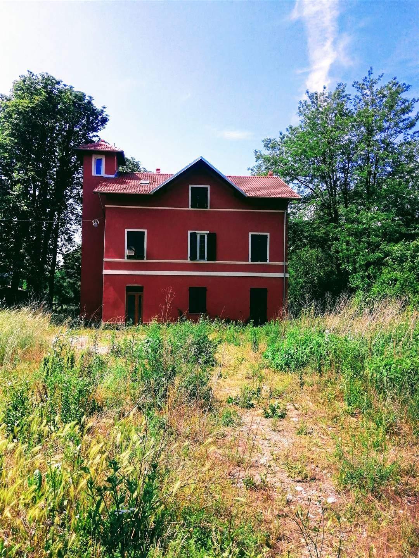 Soluzione Indipendente in vendita a Serravalle Scrivia, 13 locali, prezzo € 180.000 | PortaleAgenzieImmobiliari.it