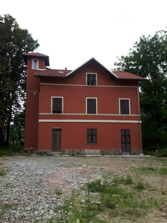 Soluzione Indipendente in vendita a Serravalle Scrivia, 13 locali, prezzo € 180.000   PortaleAgenzieImmobiliari.it