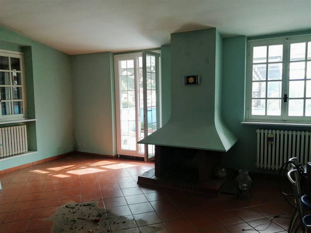 Appartamento in vendita a Stazzano, 4 locali, prezzo € 65.000 | CambioCasa.it