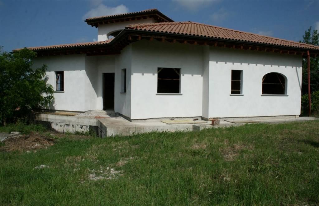 Villa in vendita a Villaromagnano, 6 locali, prezzo € 125.000 | CambioCasa.it
