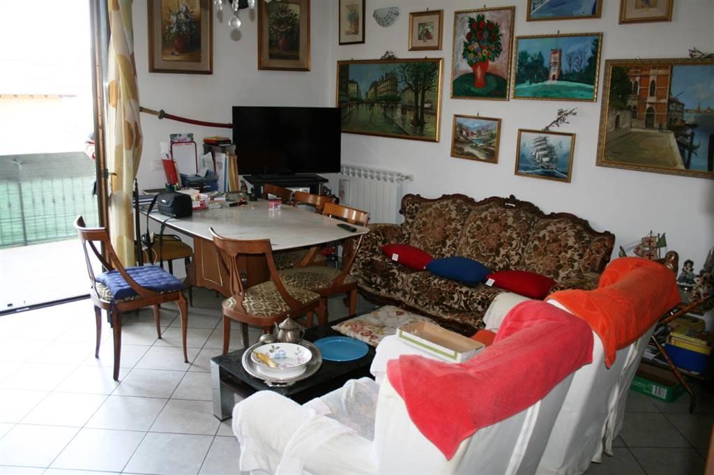 Appartamento in vendita a Tortona, 3 locali, prezzo € 65.000 | PortaleAgenzieImmobiliari.it
