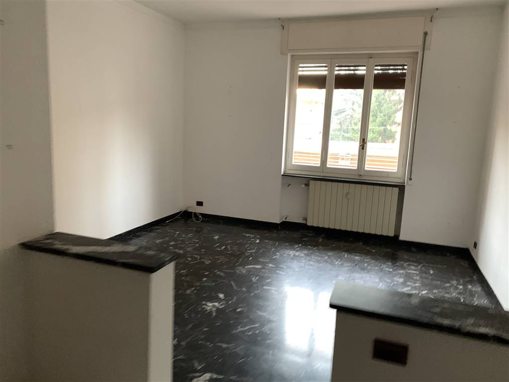 Appartamento in vendita a Novi Ligure, 4 locali, zona Località: VIALI, prezzo € 60.000 | PortaleAgenzieImmobiliari.it